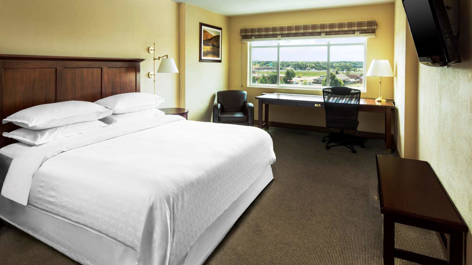 Traditional Rooms - Sheraton Midwest City Hotel At The Reed Conference Center